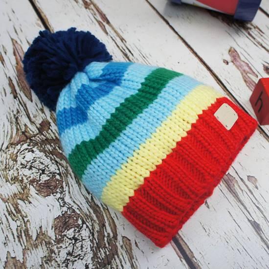 Cappello a righe con ponpon M (12-24 mesi)