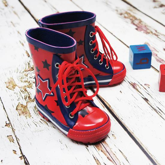 Picture of boys star wellies 18-24 months