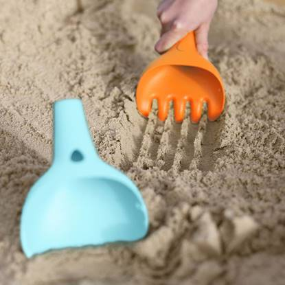 Picture of Beach Bucket and Rake Raki orange